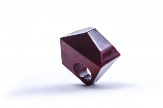 Sanna Svedestedt red wooden diamond